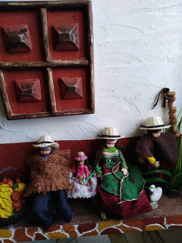 Cuadros costumbristas en alto relieve, ArteAna. Tunja, Boyacá
